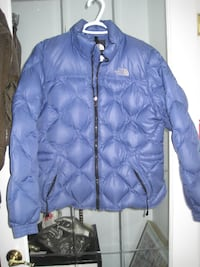 Ladies Genuine North Face Goose Down, Diamond Quilted, Puffer Jacket Bomber Length - Size Large. Winnipeg