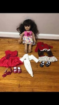 AMERICAN GIRL DOLL COMES WITH 3 AMERICAN GIRL DOLL OUTFITS, OG DOLL CHAIR, OG DOLL SCOOTER & A KITCHEN SET Alabaster, 35007