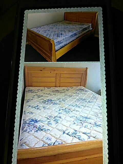 white and blue floral quilted mattress