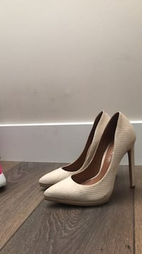 pair of white leather platform stiletto shoes Vancouver, V5Y 2N7