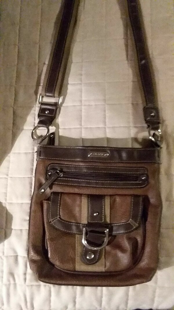 1a1fafa327e2 Used Chaps Ralph Lauren Crossbody Purse for sale in Prattville - letgo