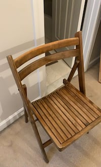 Solid wood folding chair - want to get rid of today! Burtonsville, 20866