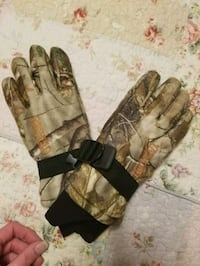 Youth Realtree hunting gloves Essex, 21221