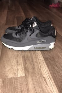 Shoes Nike air max 90 sz 11  East Patchogue, 11772