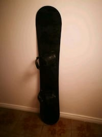 Snowboard with step in bindings Toronto, M6E 1S7
