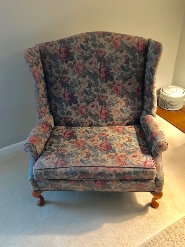 Wing Back Chair and a Half a32f8fb2-c5d4-4994-9821-7fe802ced181