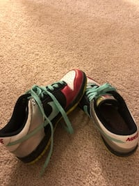pair of green-and-black Nike running shoes Piedmont, 29673