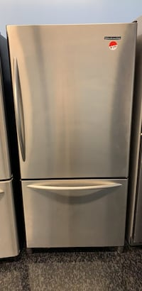 33' Bottom freezer fridge KitchenAid  Toronto, M3J 3K7