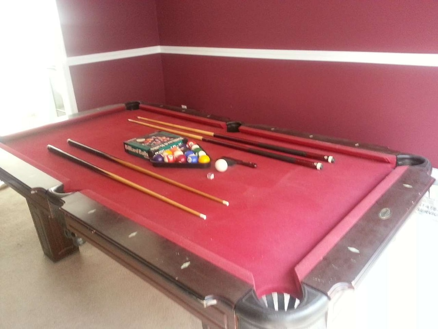 Photo Sportcraft Pool Table For Sale.