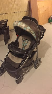 Baby's black and gray stroller Vaughan, L0J 4A1