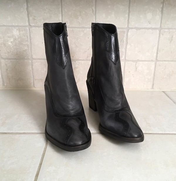New With Tags Free People Winding Road Boot 26c9cc63-bf62-4cfb-b7f6-b00542239478