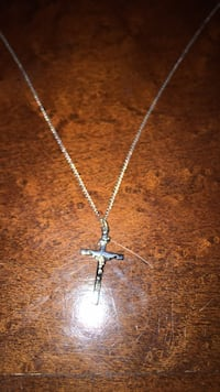 silver chain necklace with cross pendant Arlington, 22202