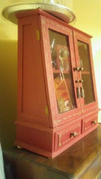 Table top cabinet really nice Peterborough, K9J 7T3