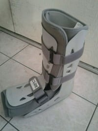 Boot for Right foot large  Glendale, 85306