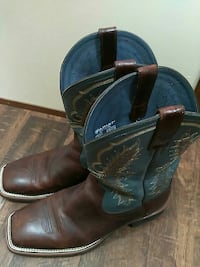 blue-and-brown Ariat deep-scallop square-toe roper Austin, 78733