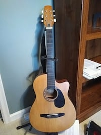 Acoustic guitar with stand Manassas, 20110