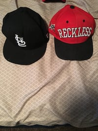 two red and black snapback caps Farmington, 63640