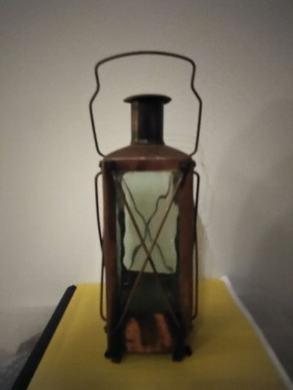 Most Awesome Looking Vintage Lantern! be7fdcaa-10b6-4c6c-aa73-8e50e71104d5