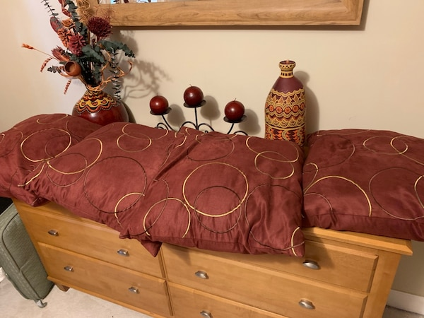 Four matching pillows, mirror  and decoration accessories