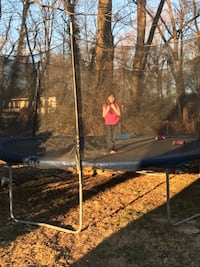Large trampoline with net great condition