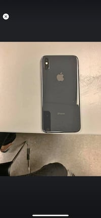 Iphone xs max 64g black 4 months old perfect condition  Toronto, M5H 4E6
