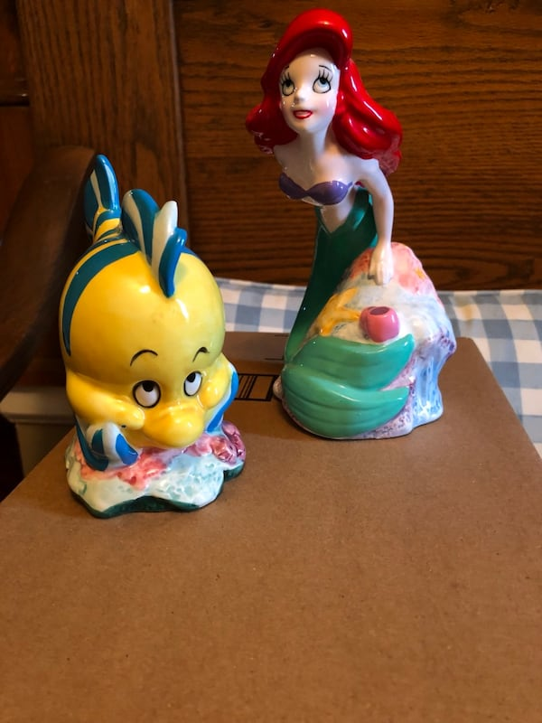 Disney Ariel and Flouder 0