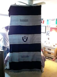 Raiders Poncho blanket new Ogden