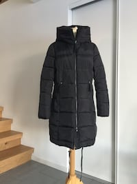 svart zip-up boble jakke str M som ny