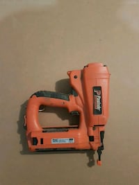 Paslode 18 gauge brad nailer with battery Sherwood Park, T8H 0L2