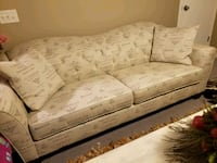 4 seater couch. almost new. Calgary, T2Z 4P7