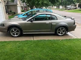 Ford - Mustang - 2002-GT LOW MILES!!!