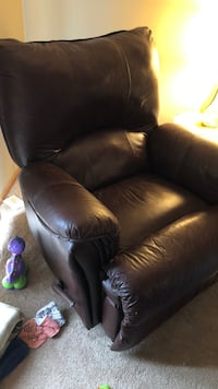 Brown leather recliner Ramsey, 55303