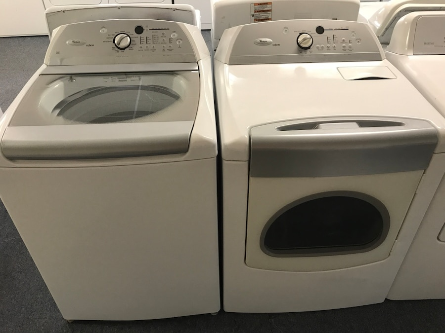 white and gray washer and dryer set