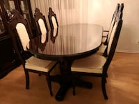 Beautiful solid oak dining table set Mississauga, L5L 2B7