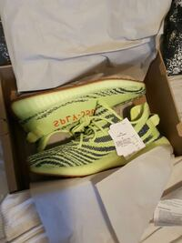 Frozen Yellow Yeezy Boost 350 with box Toronto, M4M 2H2