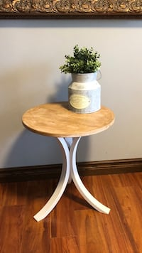 Small accent table Mississauga, L4W 2G3