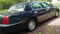 Lincoln - Town Car - 2001 Trumbull County