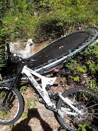 white and black full-suspension mountain bike; bla Boulder Creek, 95006
