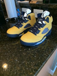 Jordan 5 retro Michigan 8.5 men Rockville, 20850