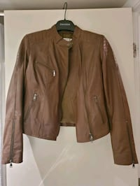 leather jacket size S North Vancouver, V7M 3P1