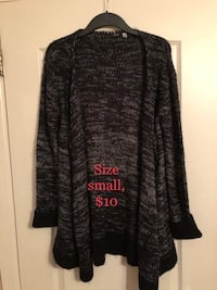black and gray long-sleeved cardigan Montreal, H1R 1R3