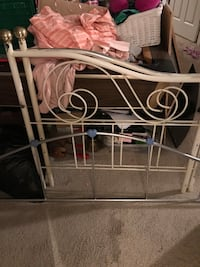 Heart Rod iron&brass daybed w heart shelf.