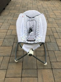 baby's white and gray bouncer Sudbury, 01776