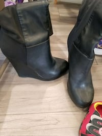 Boots shows with grip Edmonton, T6J 0Y2