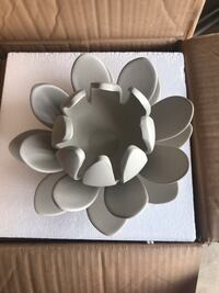 Flower Candle Holder Taupe