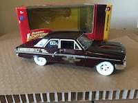 Johnny lightning Ford Thunderbird 1/24 Die cast  Halifax, B3K 4K3
