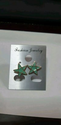 Green star ear studs Singapore