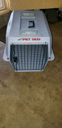 white and gray Pet Taxi pet carrier Los Angeles, 91306