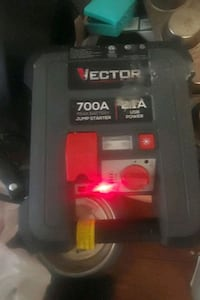 Vector 700a portable Automotive Batterie Jumper plus plug in for cell