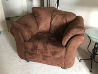 Sofa and chair made in Canada smoke and pet free home  pick up only  Montréal, H8Z 3H7